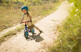 Balance Bikes vs Tricycles, Which Is the Best to Learn to Ride a Bike?
